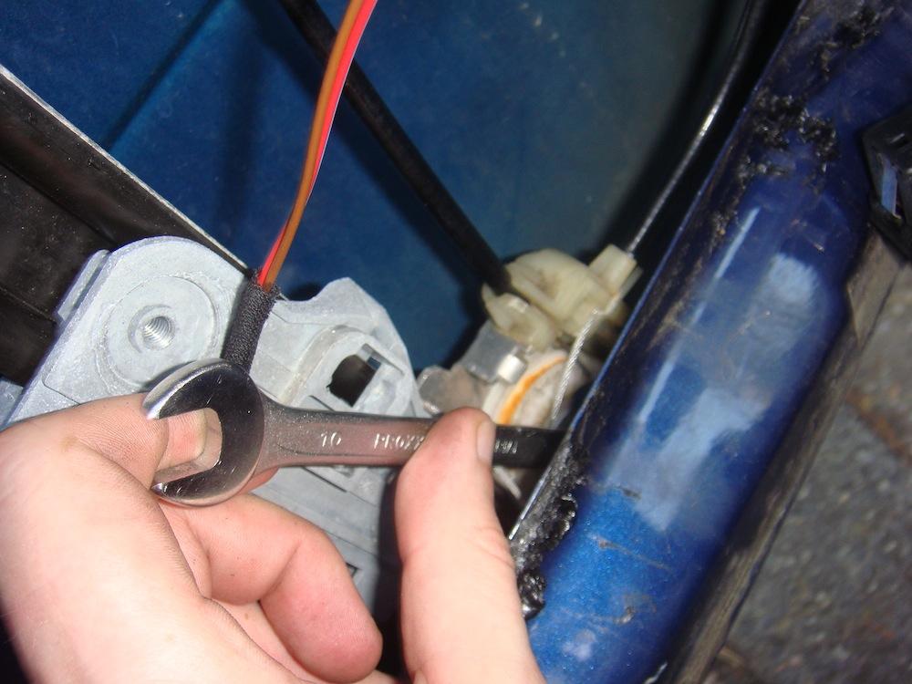 reparatur des elektrischen fensterhebers im bmw e39 oder. Black Bedroom Furniture Sets. Home Design Ideas