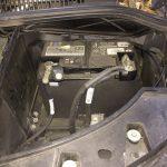 Batterie (Starterbatterie) ausbauen und tauschen beim VW T5.2