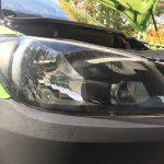 VW Caddy 3 (Typ 2K): Anleitung zum Wechsel / Tausch der Leuchtmittel vom Abblendlicht im Frontscheinwerfer