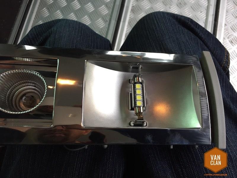 Wechsel der Innenleuchten im VW T5 auf LED Soffitten